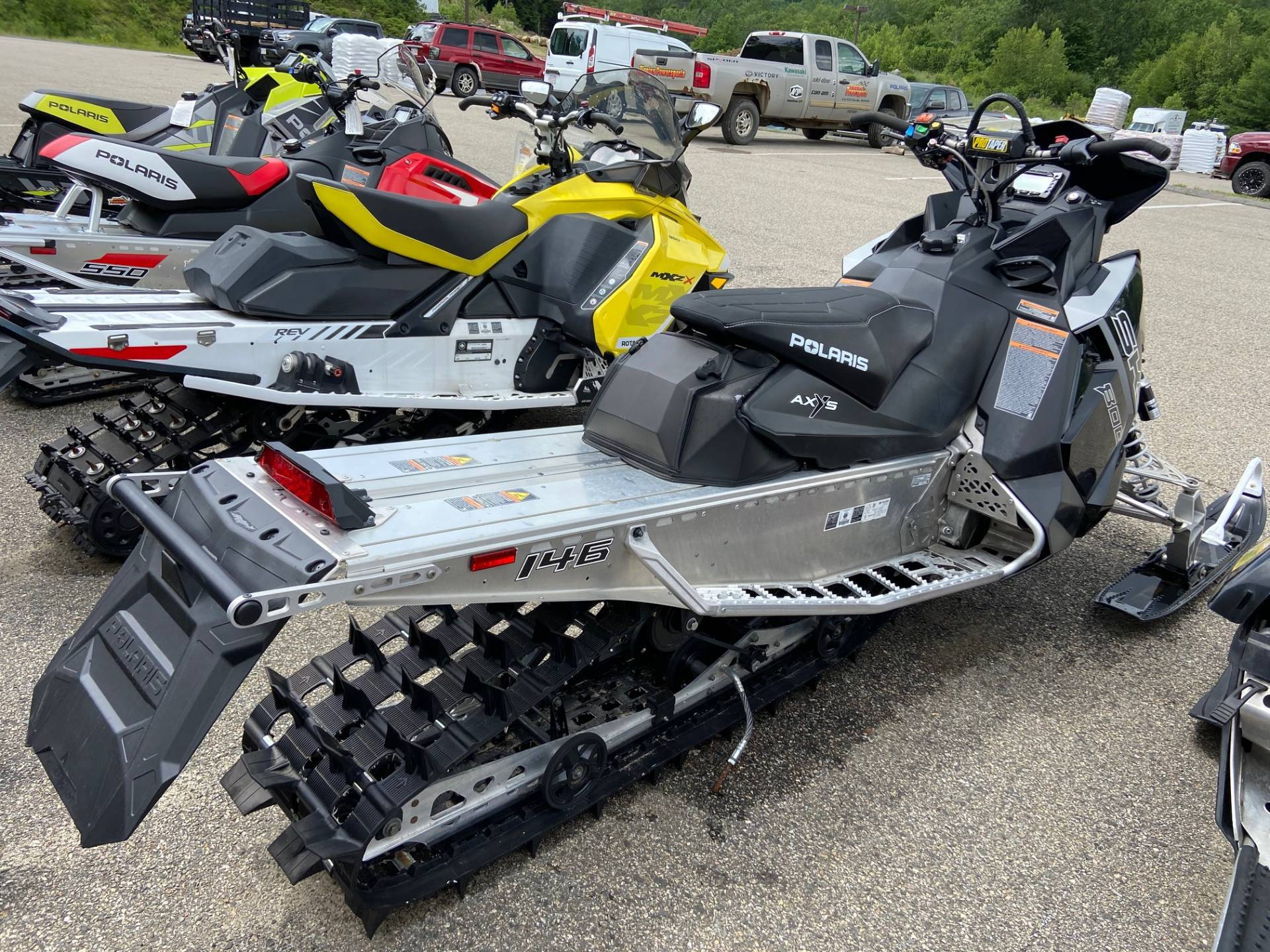 2018 Polaris 800 SKS 146 ES in Barre, Massachusetts - Photo 2