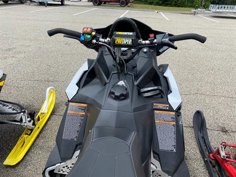 2018 Polaris 800 SKS 146 ES in Barre, Massachusetts - Photo 3