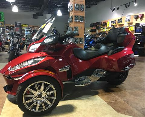 2015 Can-Am Spyder® RT Limited in Barre, Massachusetts