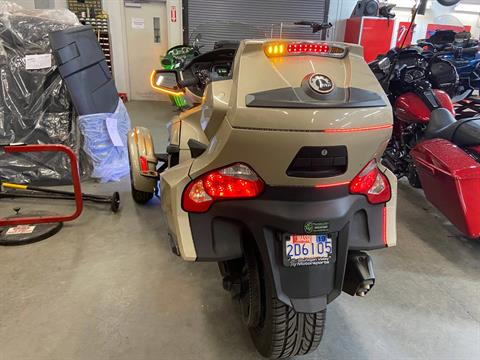 2018 Can-Am Spyder RT Limited in Barre, Massachusetts - Photo 2