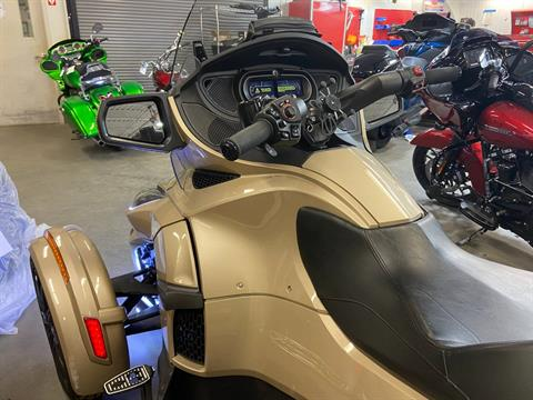 2018 Can-Am Spyder RT Limited in Barre, Massachusetts - Photo 3