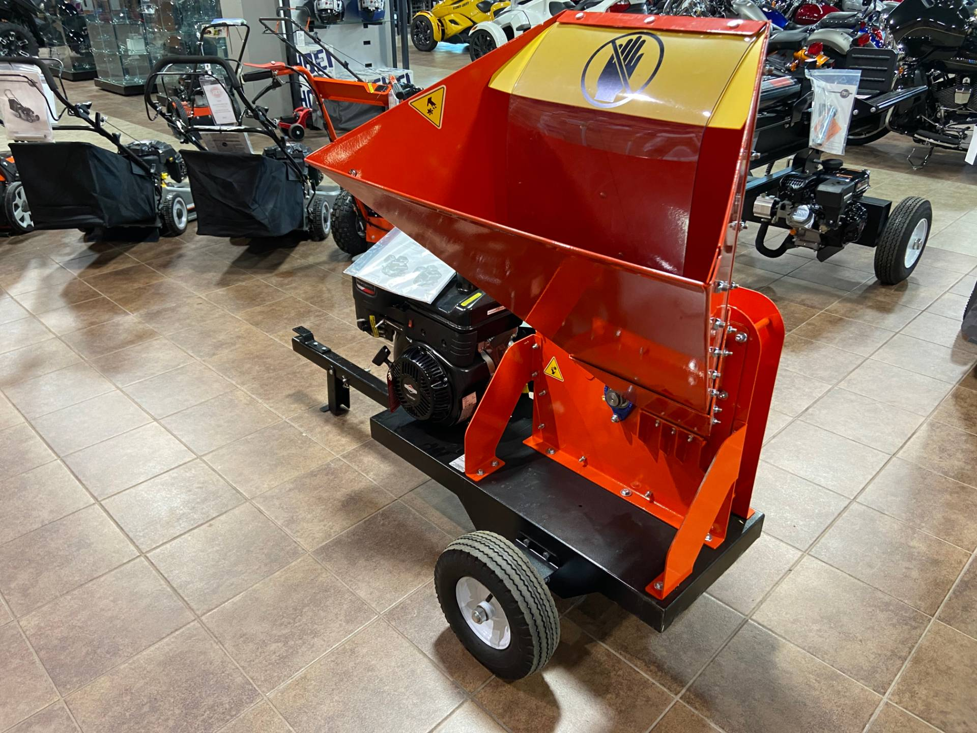 DR Power Equipment 11.5 HP Pro 475 Wood Chipper in Barre, Massachusetts - Photo 5