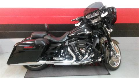 2015 Harley-Davidson CVO™ Street Glide® in Asheville, North Carolina