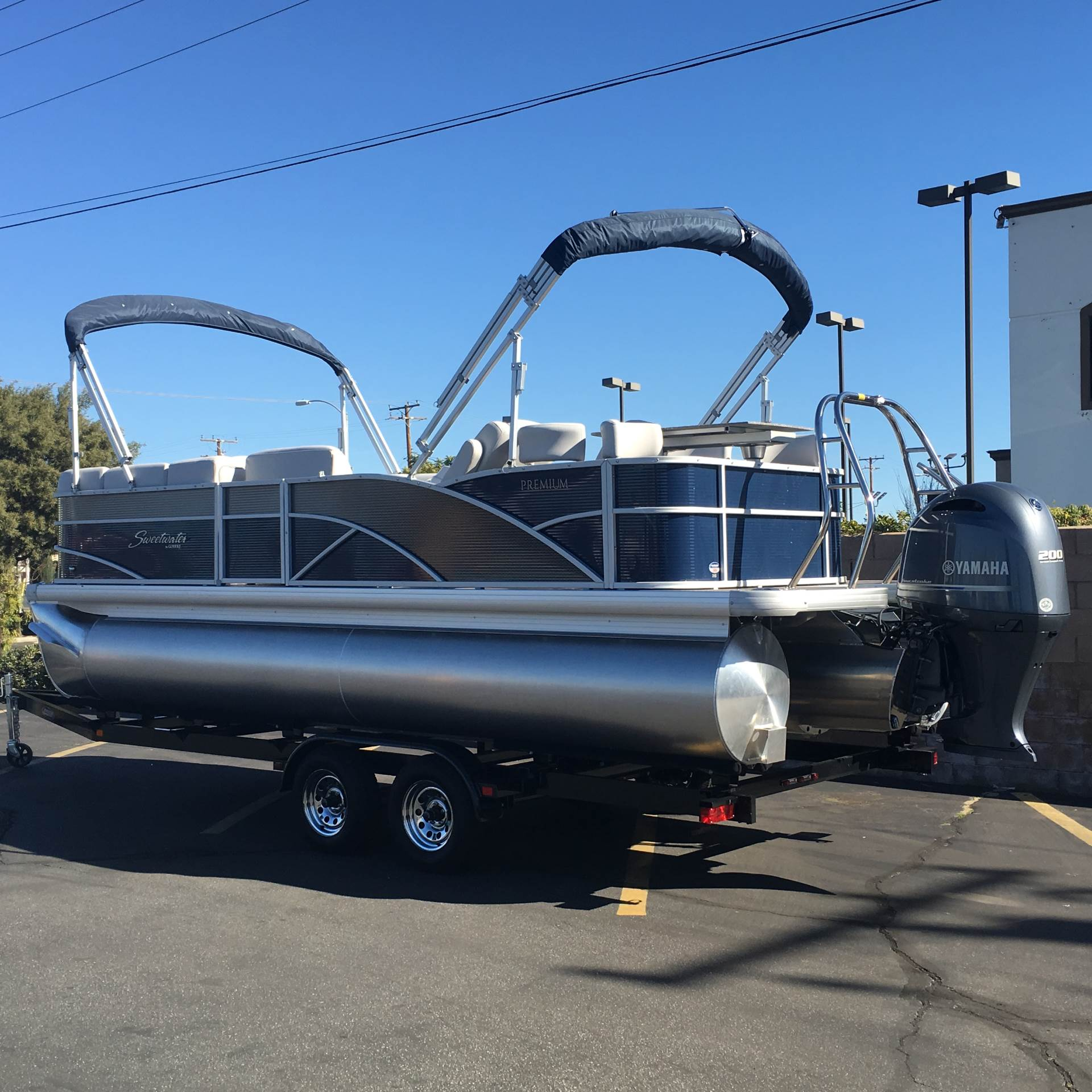 2017 SWEETWATER PE215CB in Ontario, California