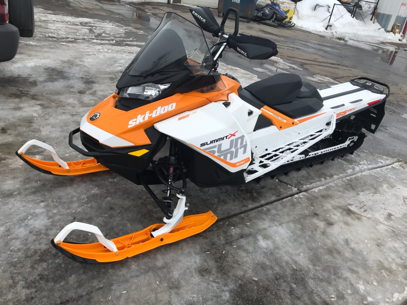 2017 Ski-Doo Summit X 165 850 E-TEC E.S., PowderMax 2.5 in. in Toronto, South Dakota - Photo 1