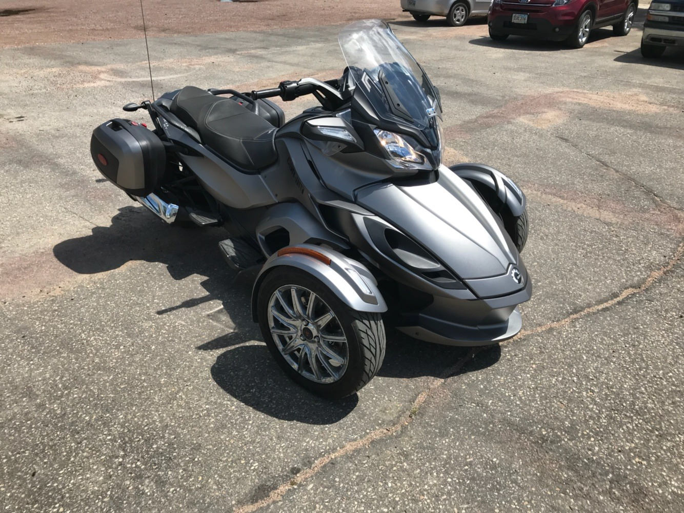 2014 Can-Am™ Spyder ST Limited 3