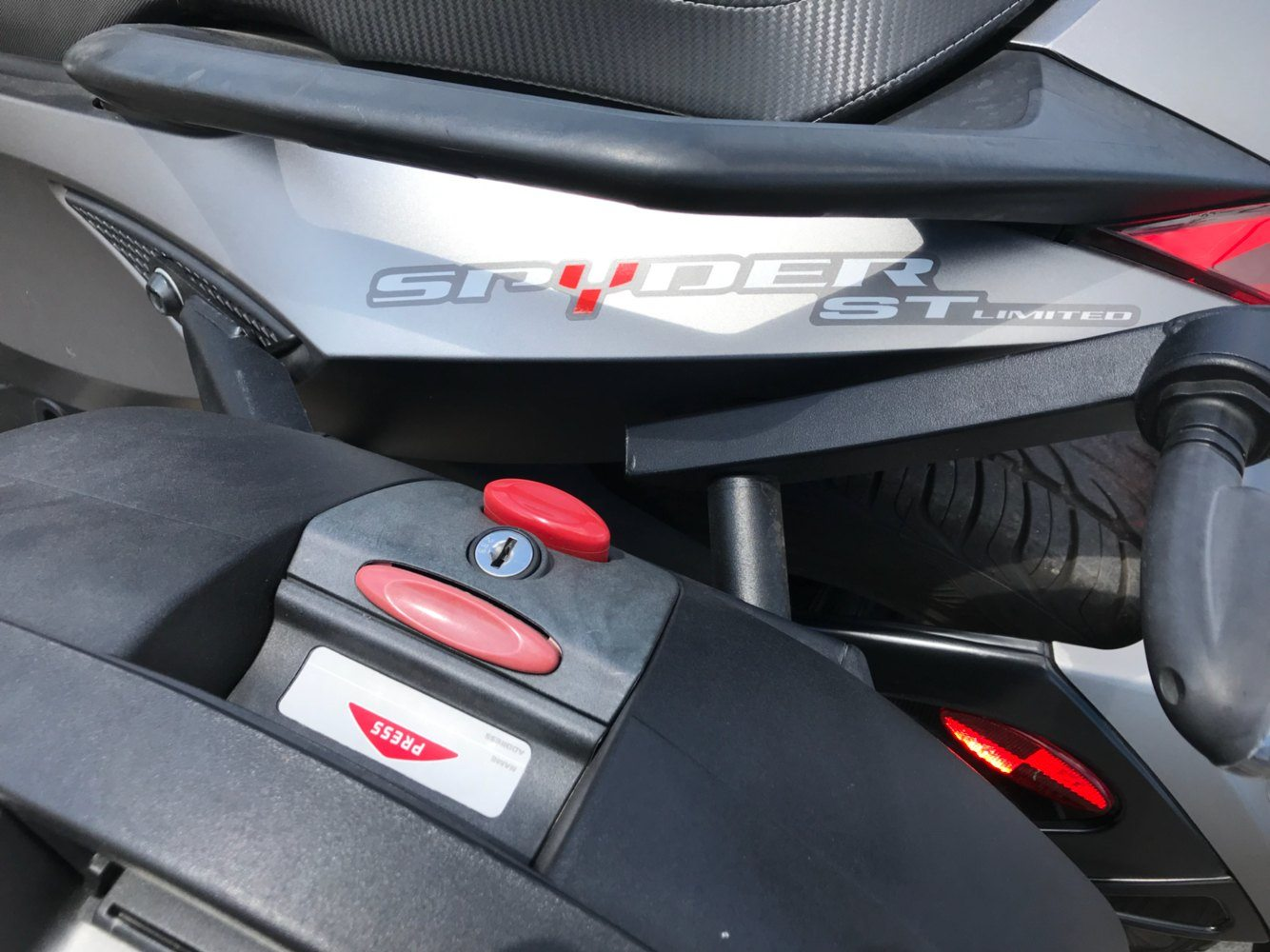 2014 Can-Am™ Spyder ST Limited 5