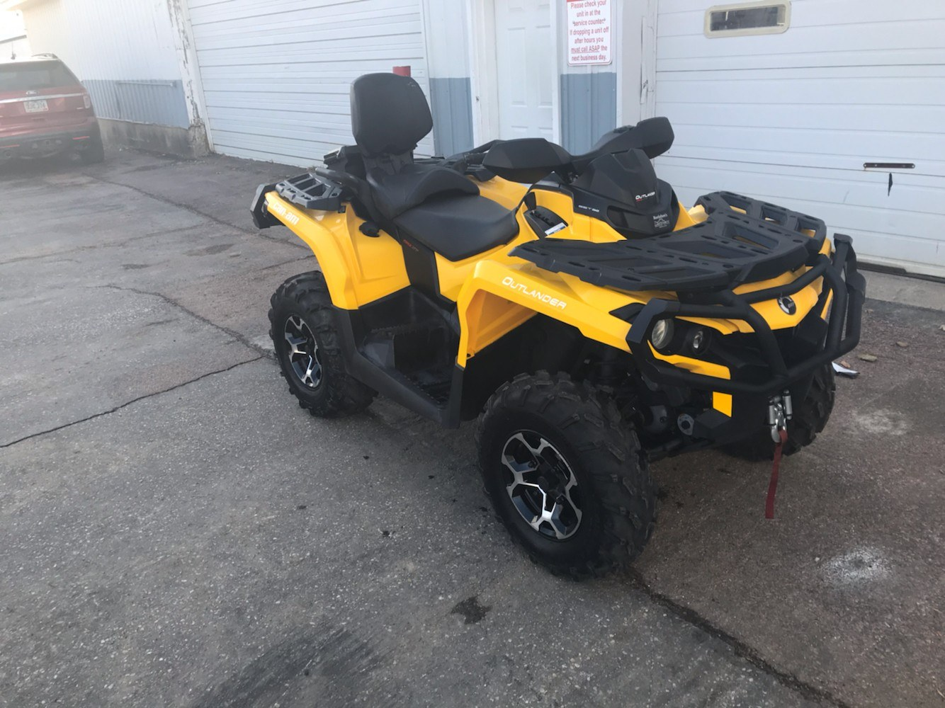 2016 Can-Am Outlander MAX XT 570 in Toronto, South Dakota - Photo 2