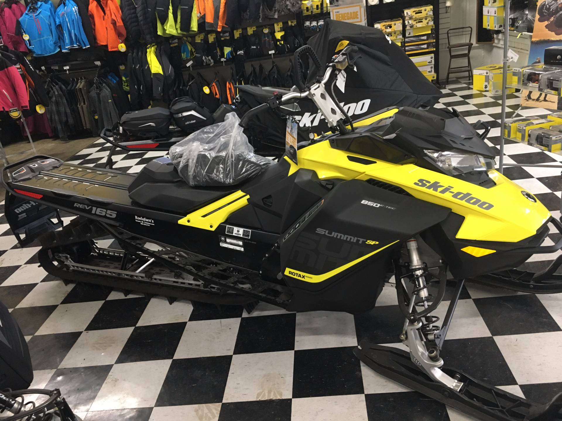 "2017 Ski-Doo Summit SP 165 850 E-TEC E.S., PowderMax 3.0"" in Toronto, South Dakota"