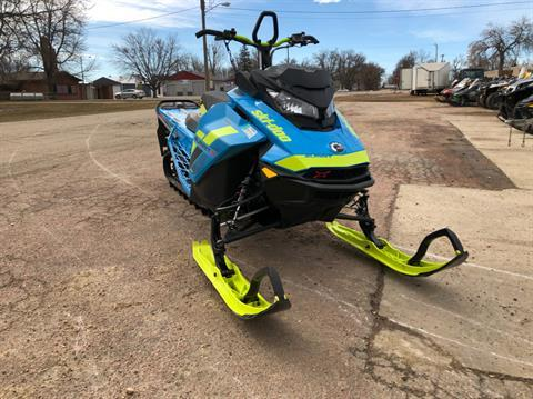 2018 Ski-Doo Summit X 154 850 E-TEC, PowderMax Light 3.0 H_ALT in Toronto, South Dakota