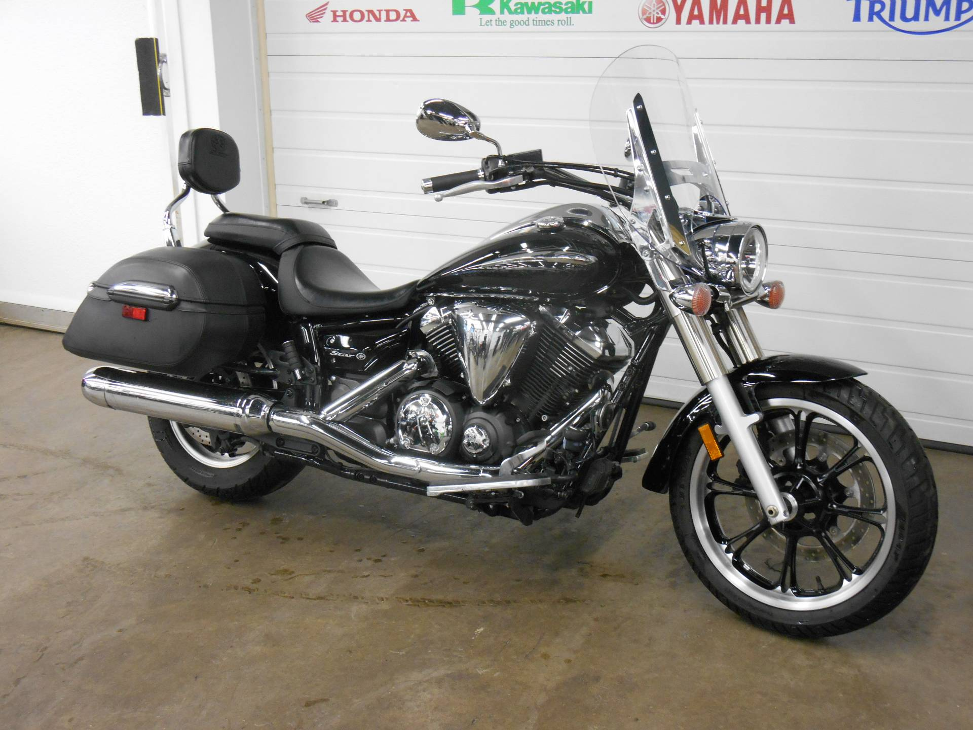 2011 Yamaha V Star 950 Tourer in Dubuque, Iowa