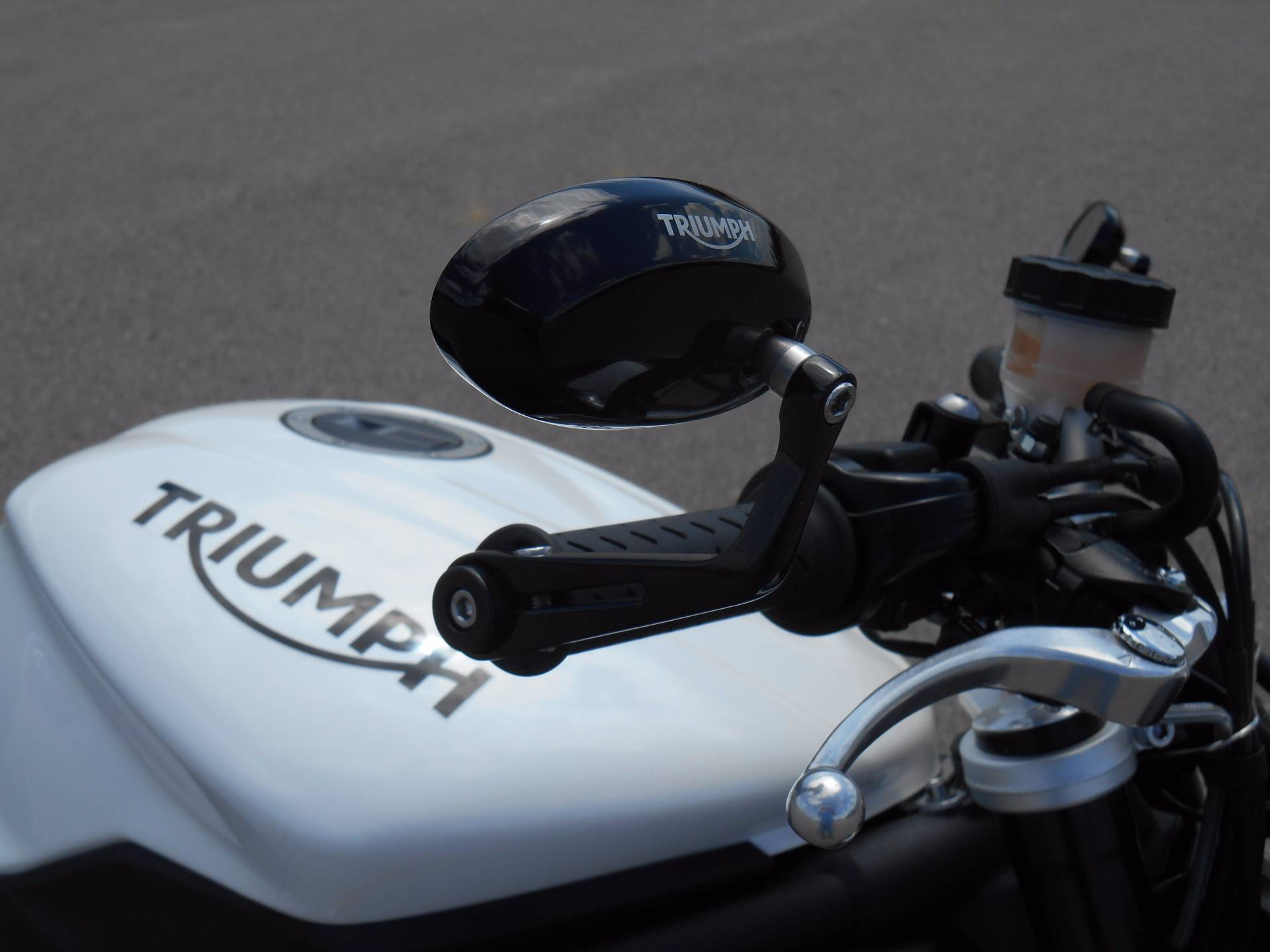 2015 Triumph Street Triple R in Dubuque, Iowa