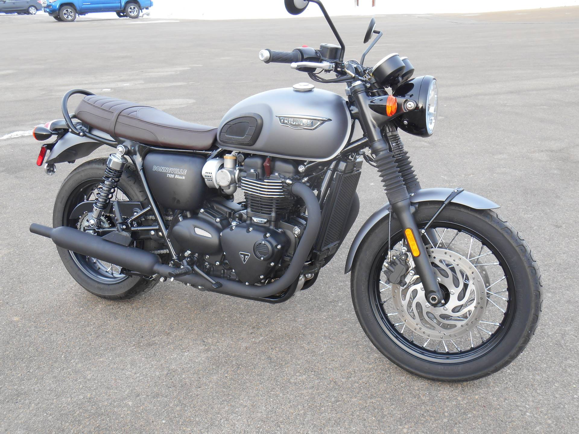 2018 Triumph Bonneville T120 Black in Dubuque, Iowa - Photo 1