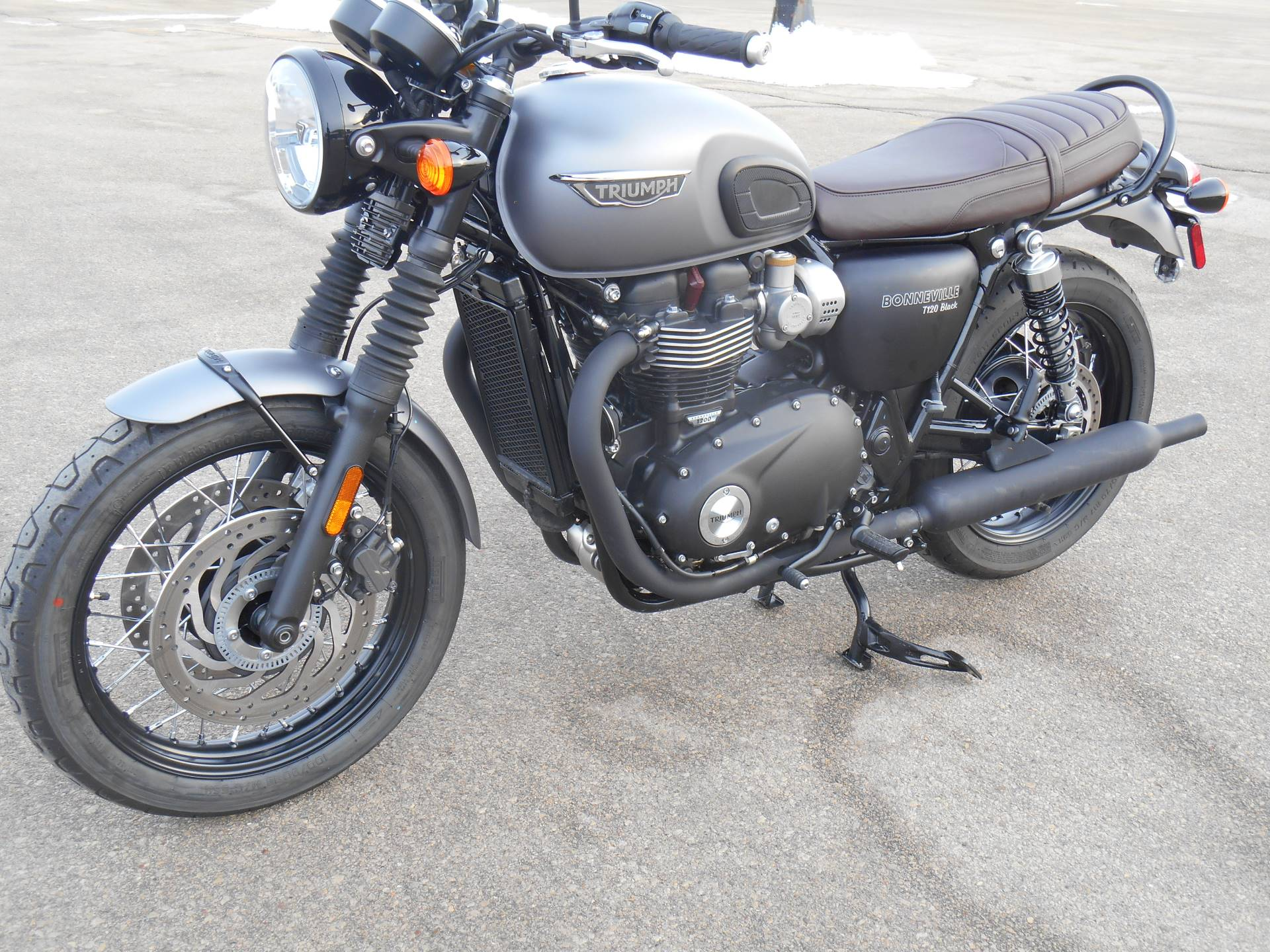 2018 Triumph Bonneville T120 Black in Dubuque, Iowa - Photo 4