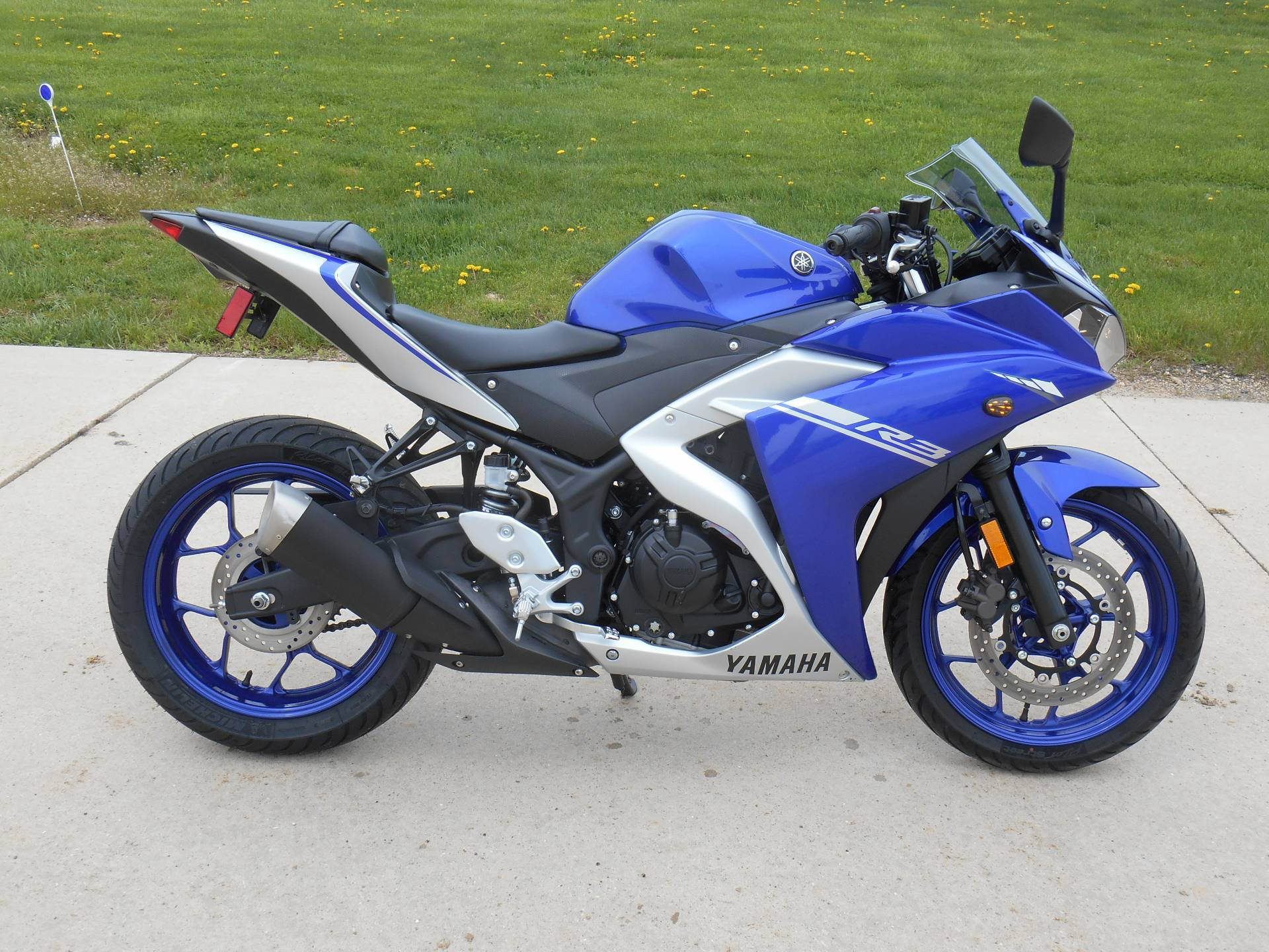 2017 Yamaha YZF-R3 in Dubuque, Iowa - Photo 1