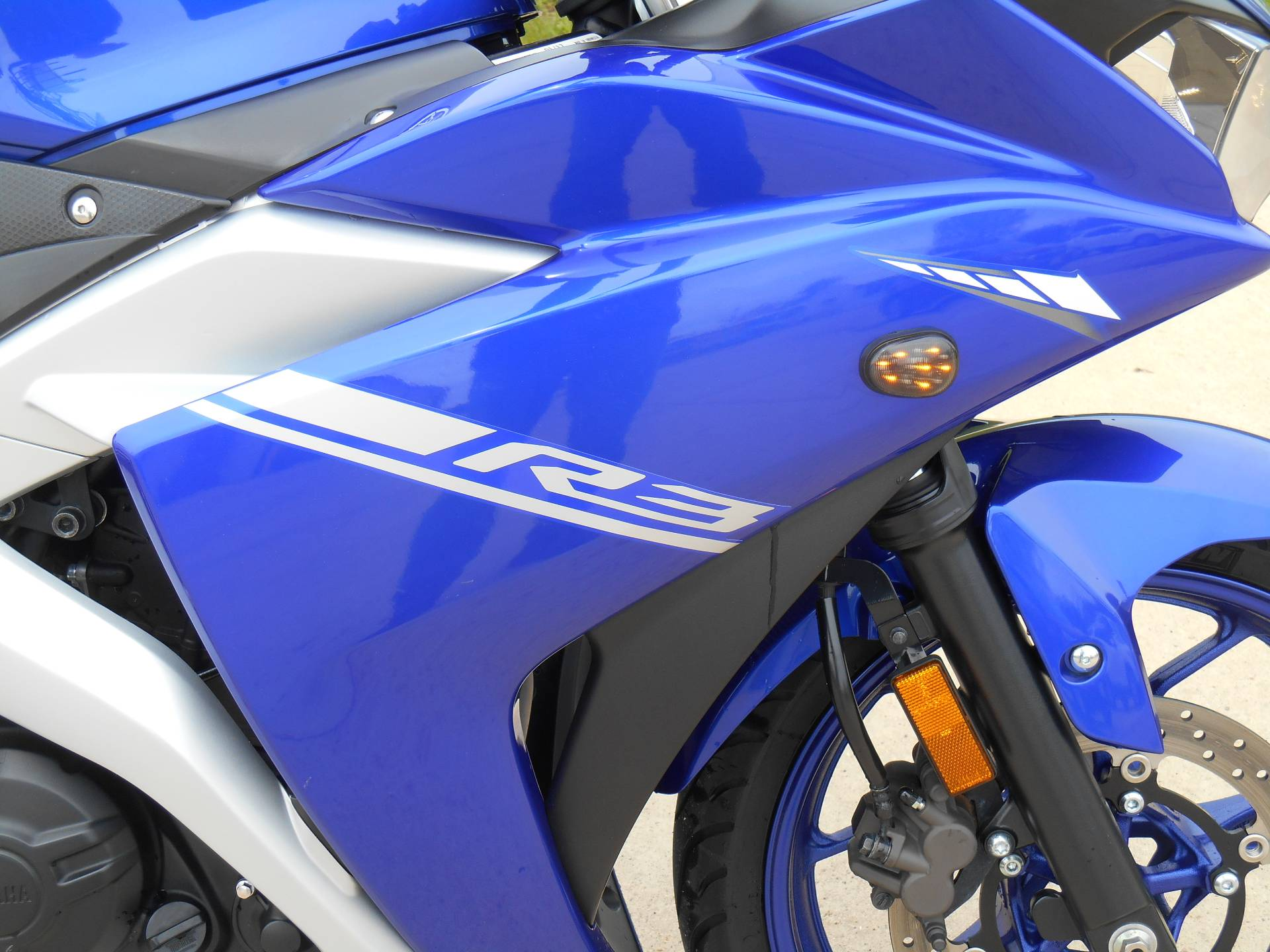 2017 Yamaha YZF-R3 in Dubuque, Iowa - Photo 2