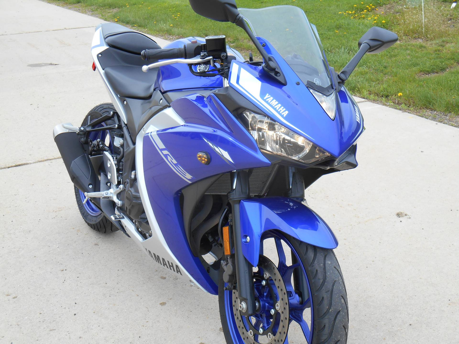 2017 Yamaha YZF-R3 in Dubuque, Iowa - Photo 3