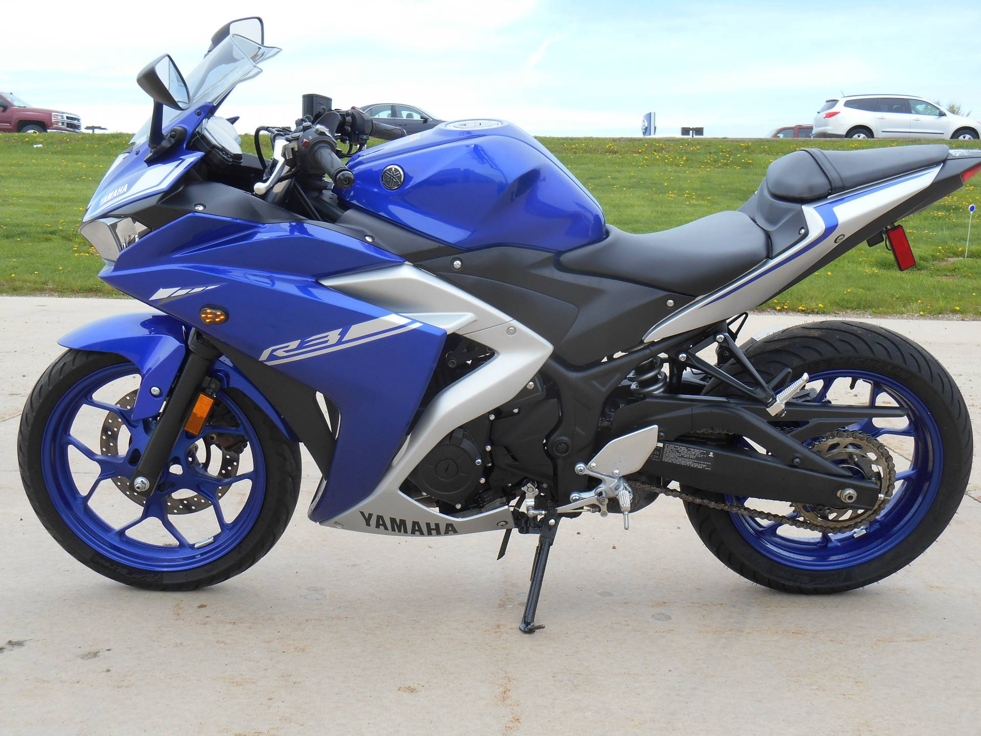 2017 Yamaha YZF-R3 in Dubuque, Iowa - Photo 5