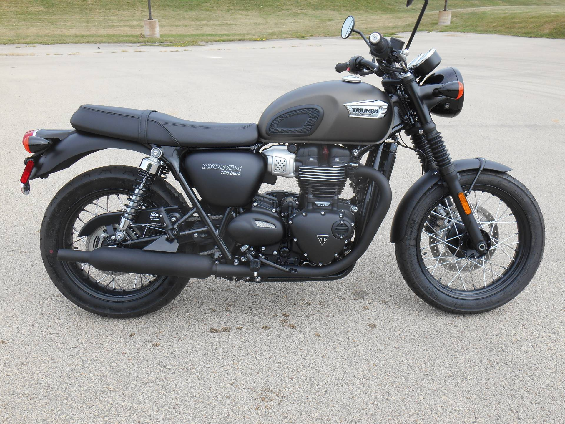 Used 2020 Triumph Bonneville T100 Black Motorcycles In Dubuque Ia Stock Number 981826