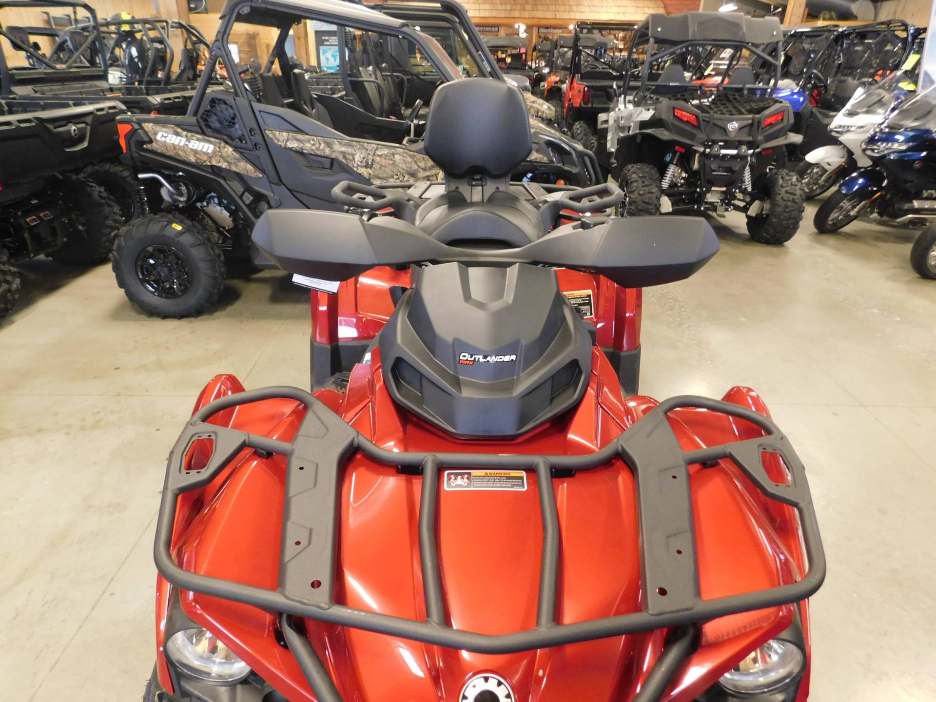 2019 Can-Am™ Outlander MAX XT 570 3
