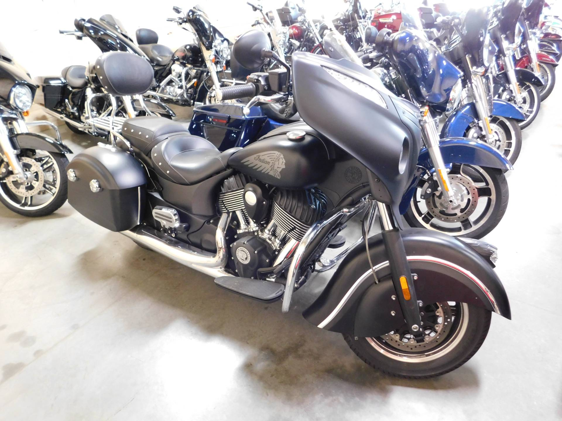 2017 Indian Chieftain Dark Horse® in Sauk Rapids, Minnesota