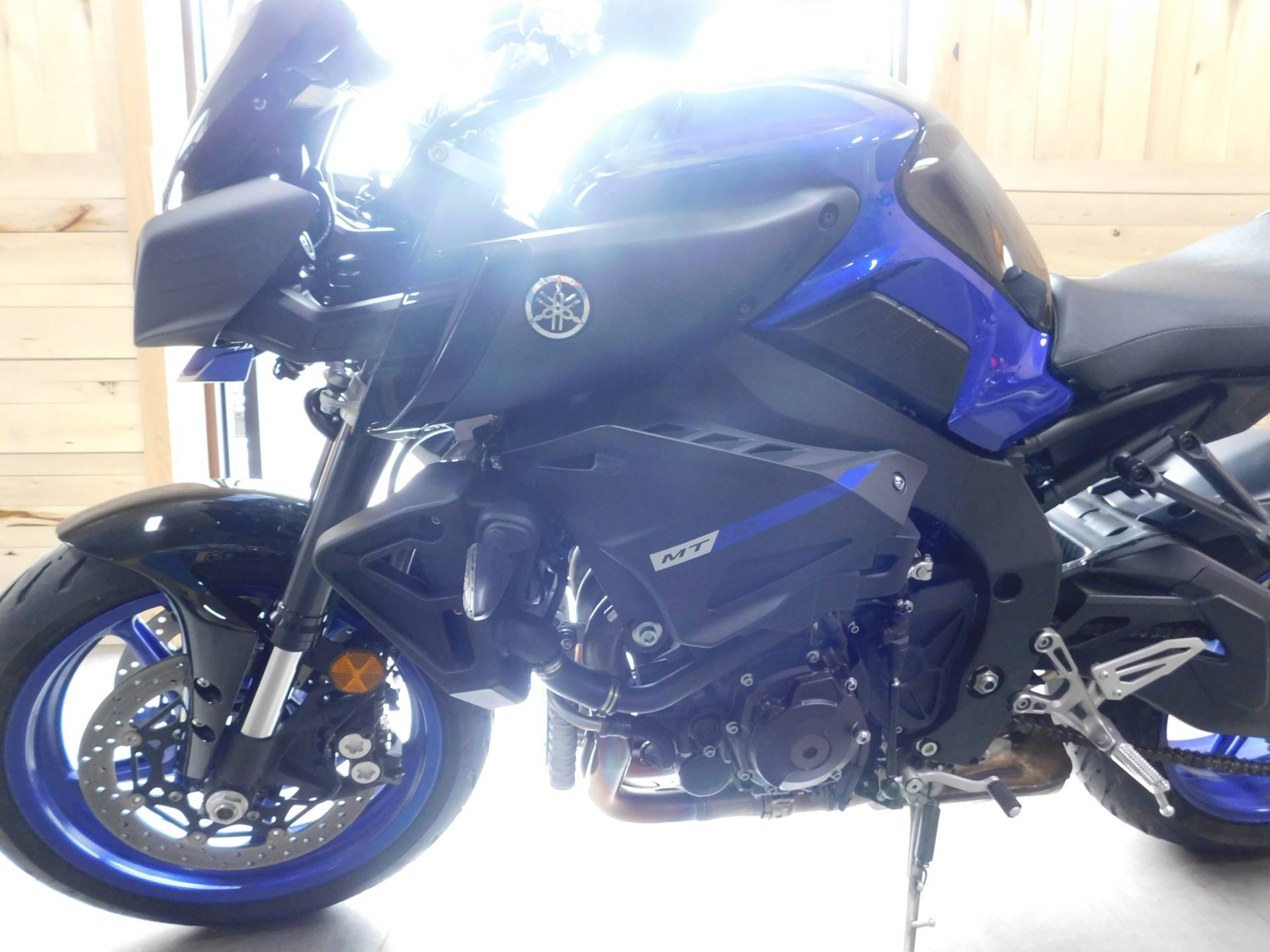 2018 Yamaha MT-10 in Sauk Rapids, Minnesota - Photo 8