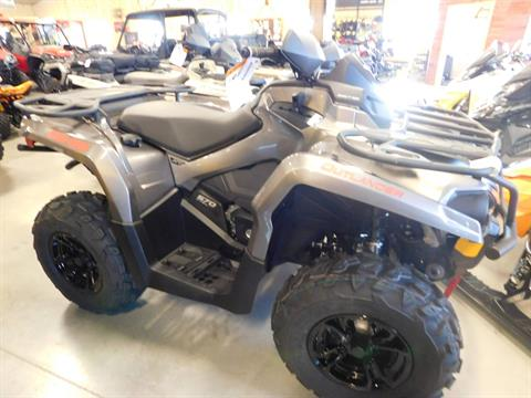 2017 Can-Am Outlander XT 570 in Sauk Rapids, Minnesota