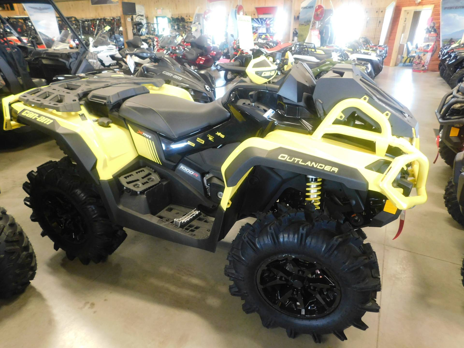 2019 Can-Am Outlander X mr 1000R in Sauk Rapids, Minnesota