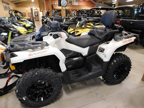 2017 Can-Am Outlander MAX XT 850 in Sauk Rapids, Minnesota