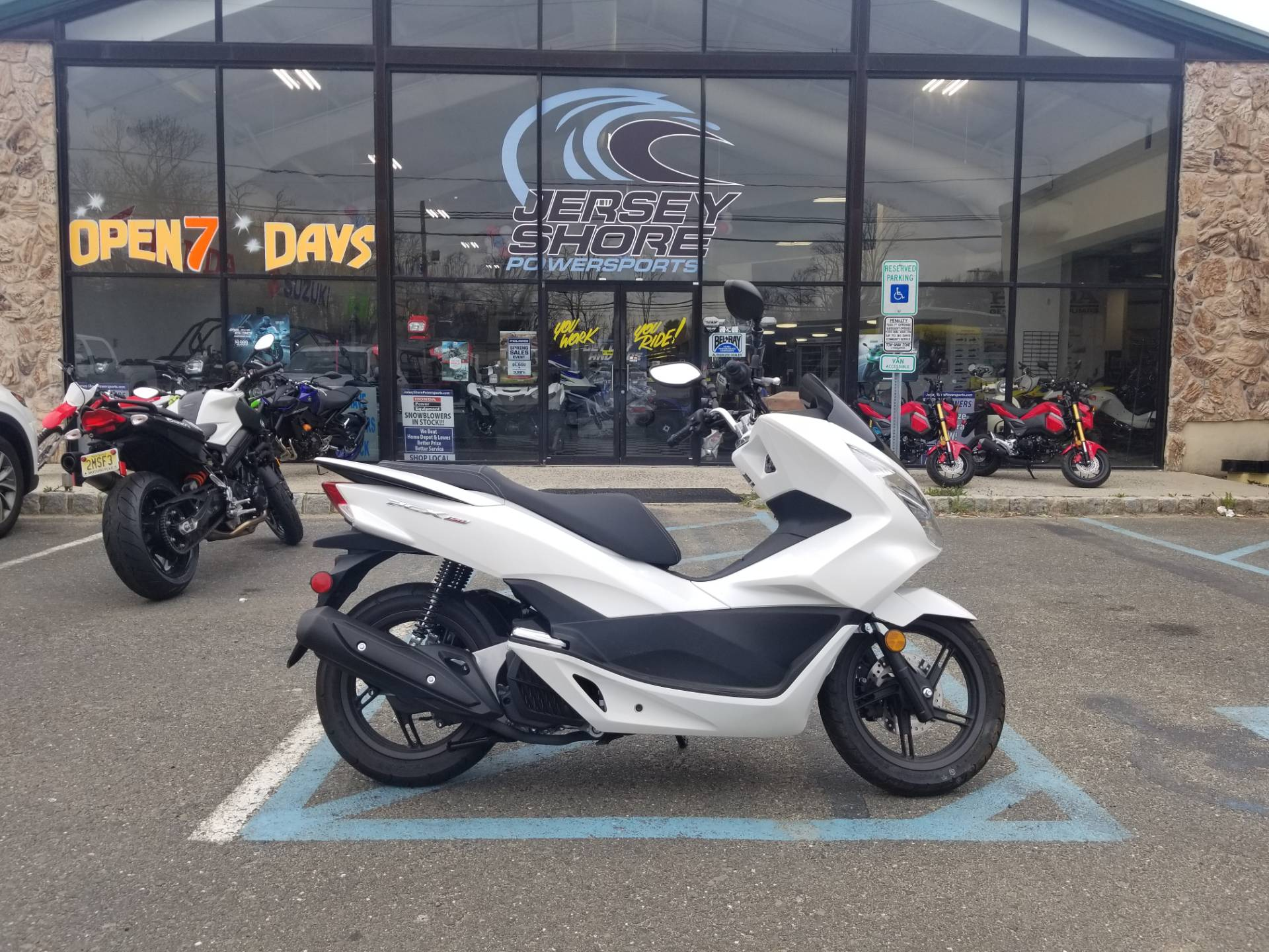 2018 Honda PCX150 1