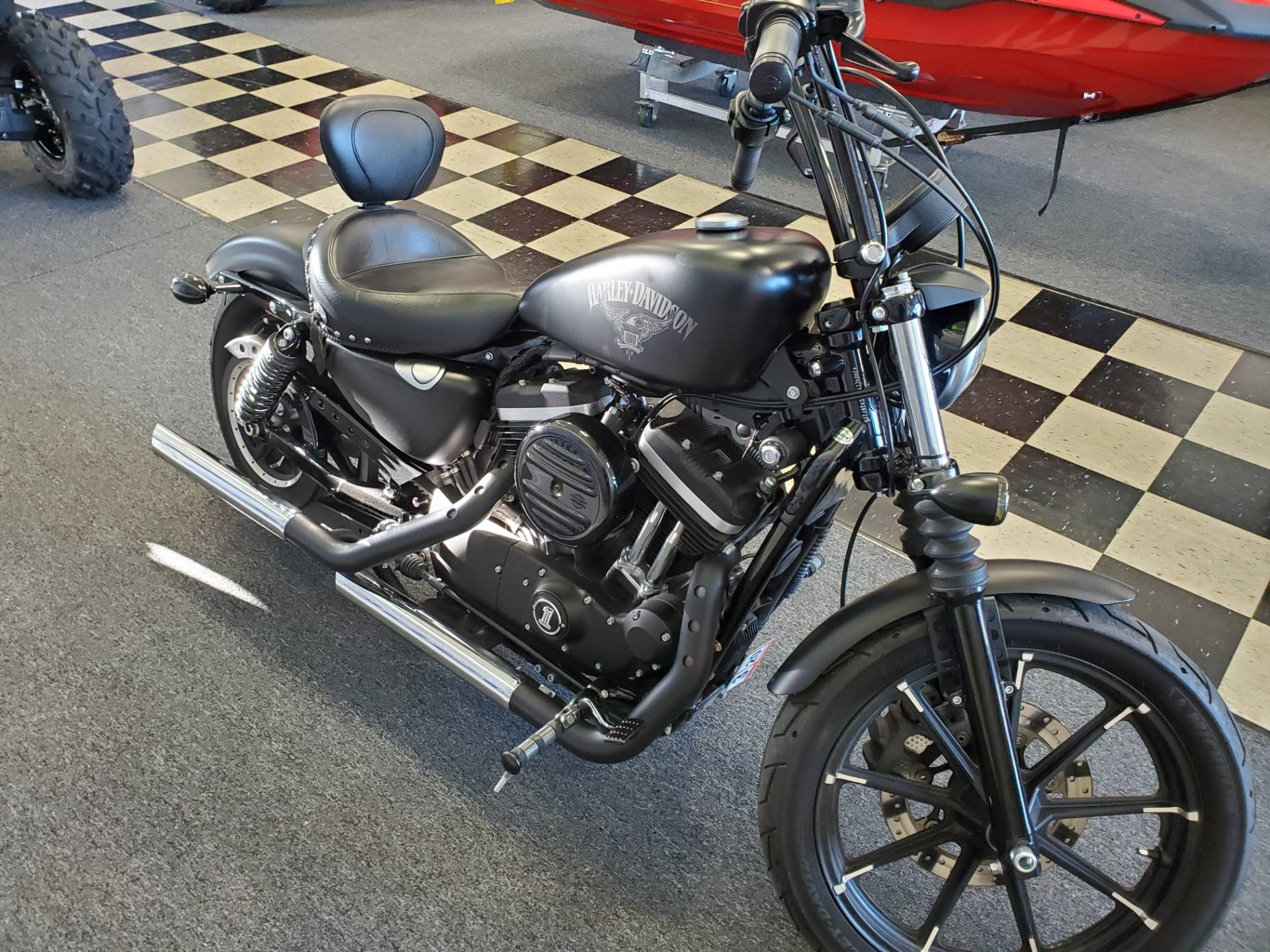 2016 Harley-Davidson Iron 883™ in Middletown, New Jersey - Photo 4