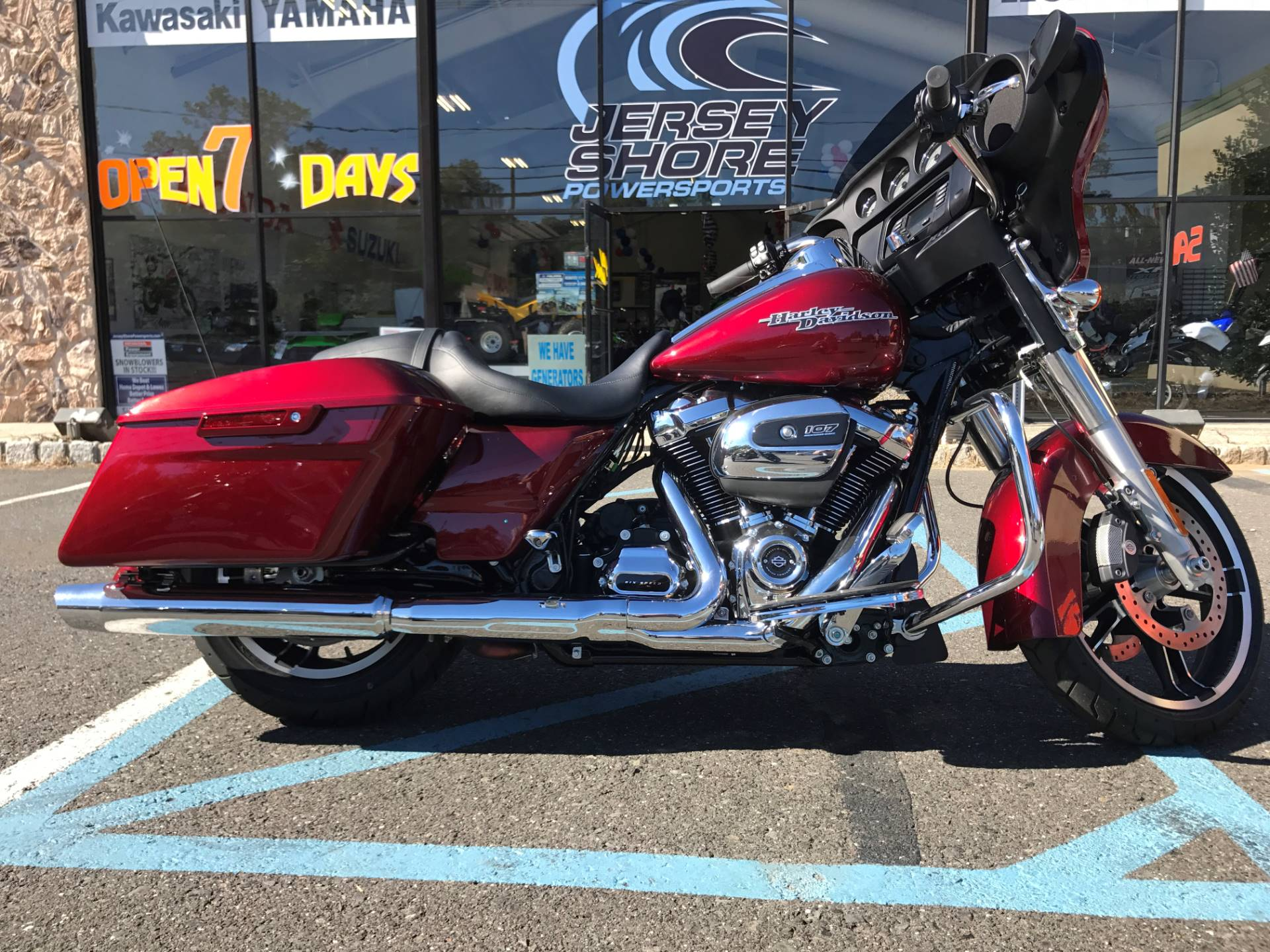 Used 2017 Harley Davidson Street Glide Motorcycles in Middletown