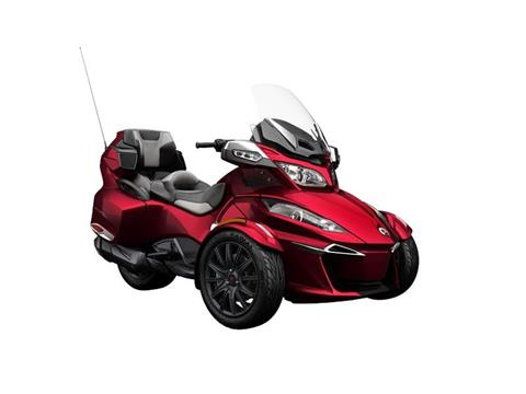 2016 Can-Am Spyder RT-S SE6 in Middletown, New Jersey