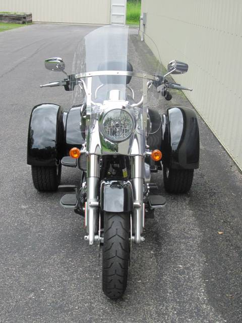 2015 Harley-Davidson Freewheeler™ in Guilderland, New York - Photo 2