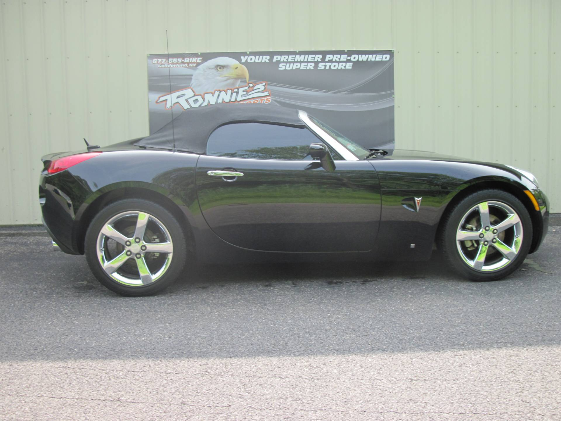2008 Pontiac SOLSTICE GXP in Guilderland, New York - Photo 1