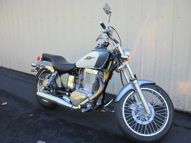 2013 Suzuki Boulevard S40 in Guilderland, New York
