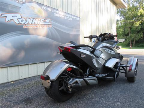 2013 Can-Am Spyder® ST-S SE5 in Guilderland, New York - Photo 3