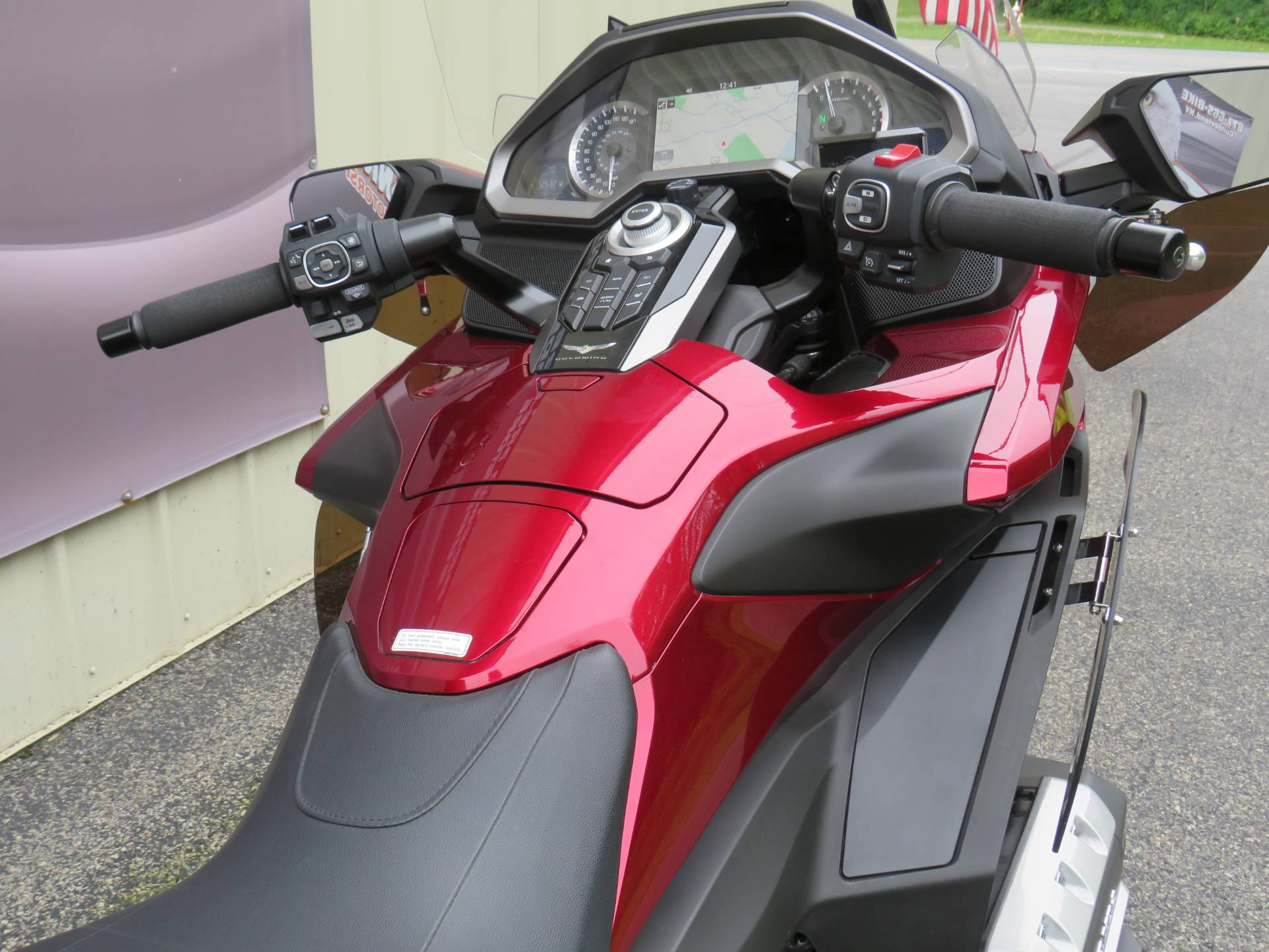2018 Honda Gold Wing Tour Automatic DCT in Guilderland, New York - Photo 2