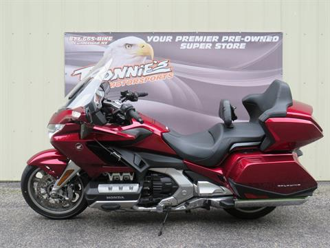 2018 Honda Gold Wing Tour Automatic DCT in Guilderland, New York - Photo 4