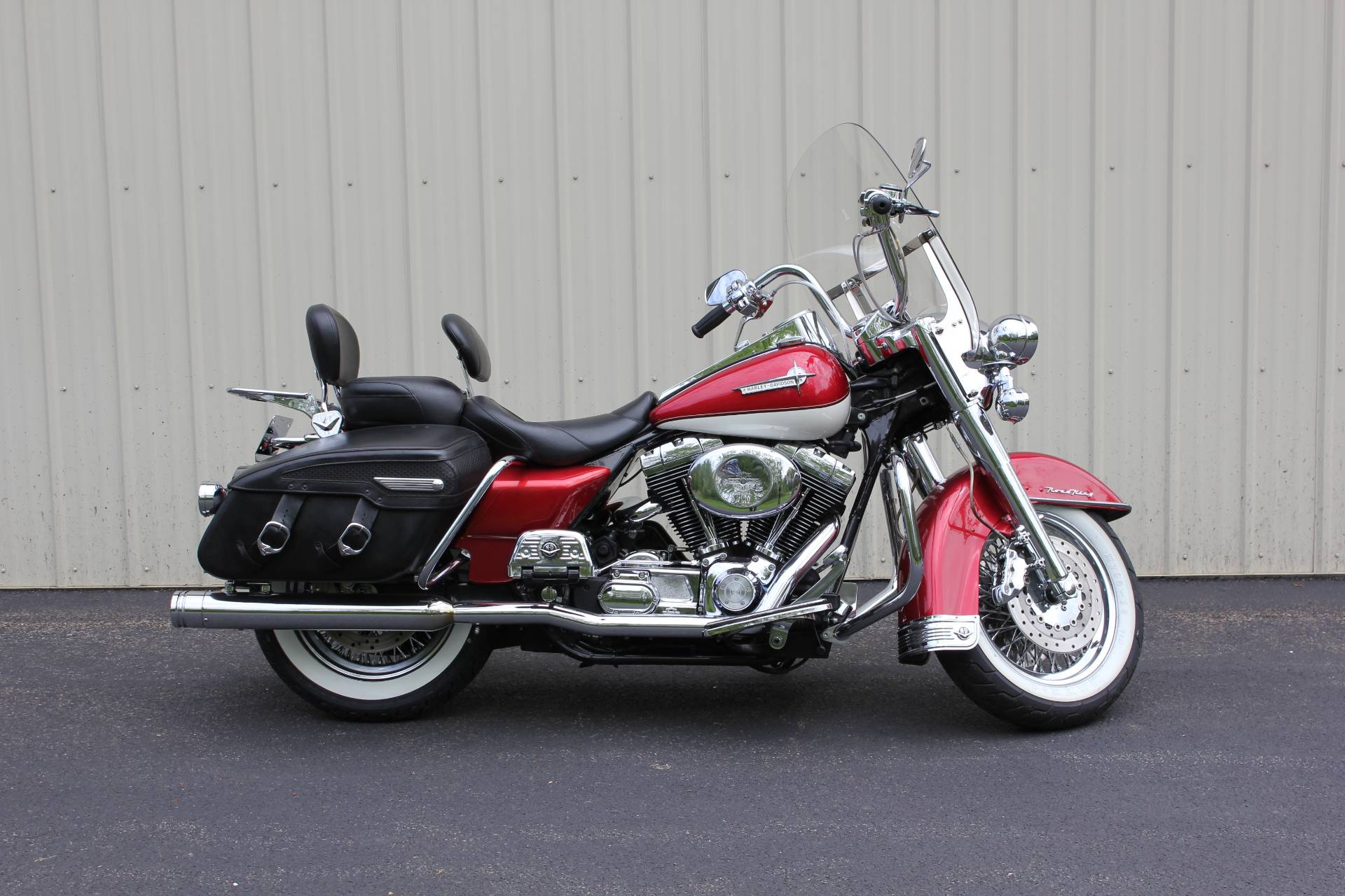 2002 Harley-Davidson FLHRCI Road King® Classic in Guilderland, New York