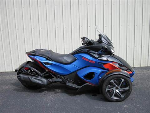 2015 Can-Am Spyder® ST-S SE5 in Guilderland, New York