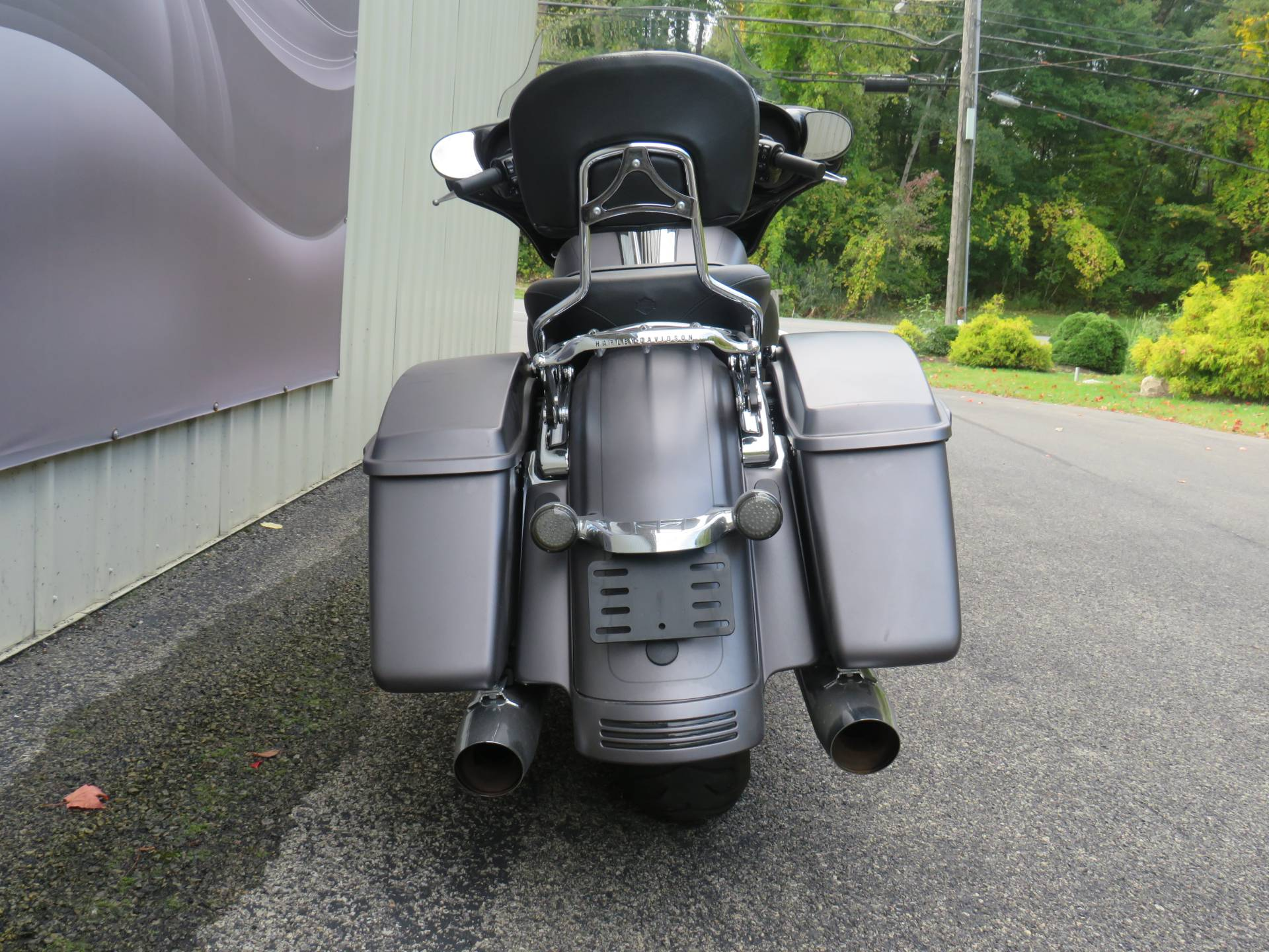 2016 Harley-Davidson Street Glide® Special in Guilderland, New York - Photo 4