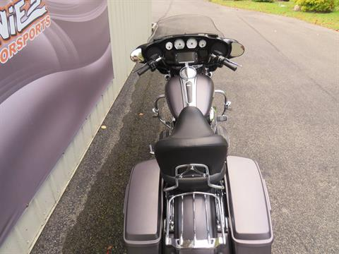 2016 Harley-Davidson Street Glide® Special in Guilderland, New York - Photo 5