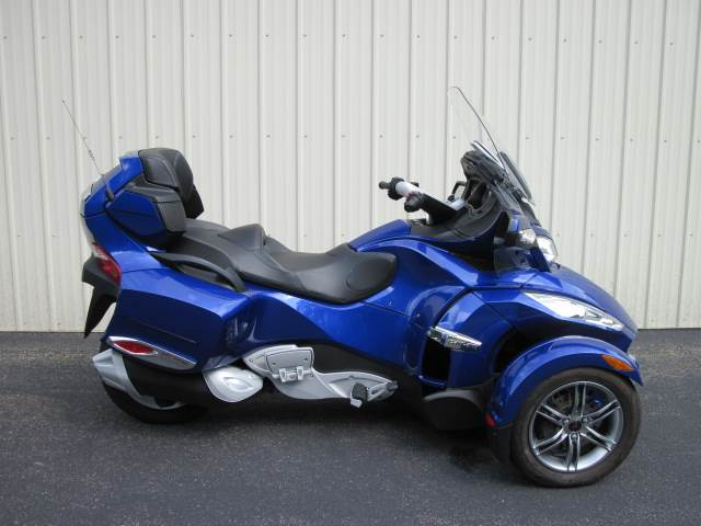 2012 Can-Am Spyder® RT-S SM5 in Guilderland, New York
