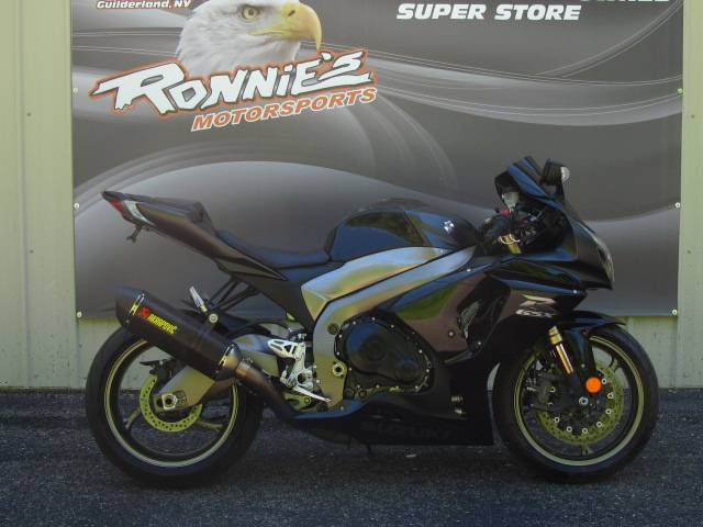 2011 Suzuki GSX-R1000™ in Guilderland, New York - Photo 1