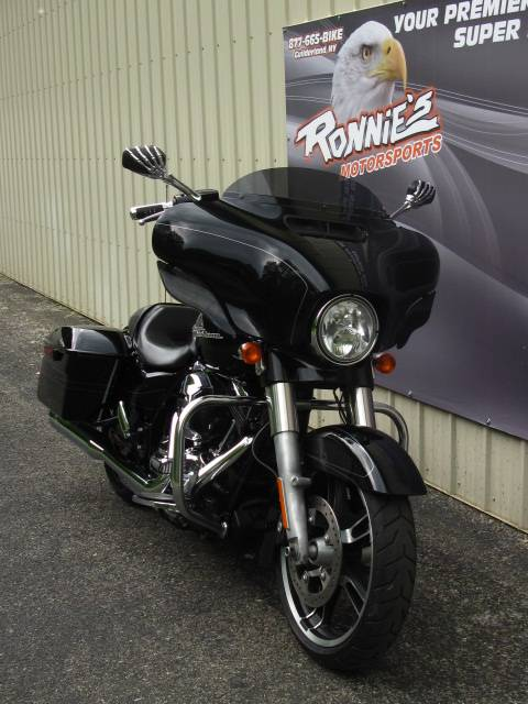2014 Harley-Davidson Street Glide® Special in Guilderland, New York - Photo 2