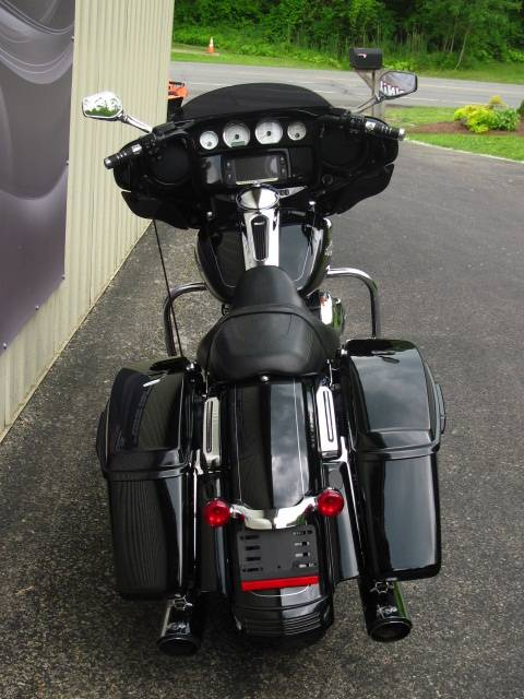 2014 Harley-Davidson Street Glide® Special in Guilderland, New York - Photo 3