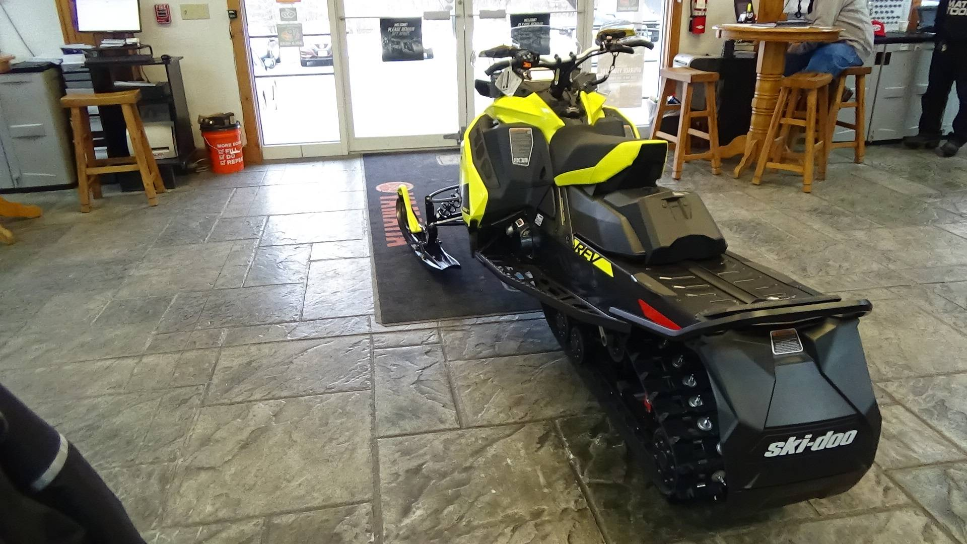 2020 Ski-Doo MXZ TNT 850 E-TEC ES Ripsaw 1.25 in Bennington, Vermont - Photo 8