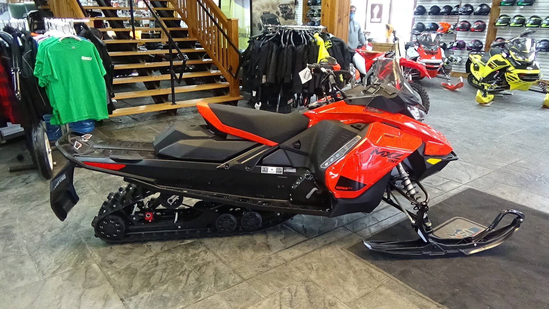 2021 Ski-Doo MXZ TNT 850 E-TEC ES Ripsaw 1.25 in Bennington, Vermont - Photo 8
