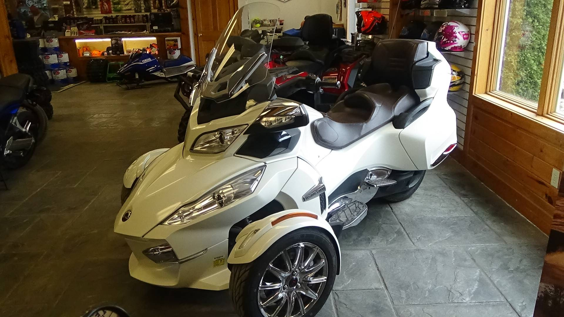 2013 Can-Am Spyder® RT Limited in Bennington, Vermont